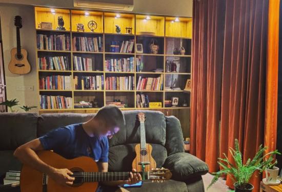 Dilbar Lagyo Kashmiri Song Guitar Cover – Shikara Movie